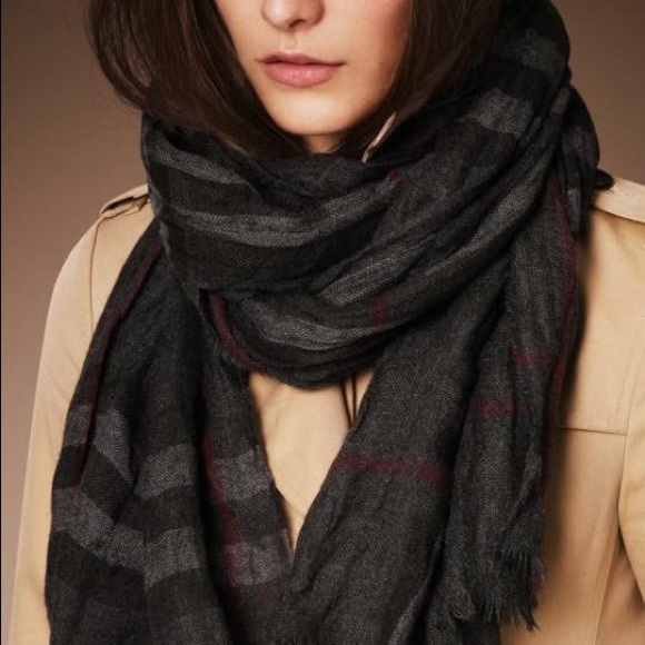 4ac394ebd425 Burberry Accessories - Burberry Heritage Check Crinkled Cashmere Scarf